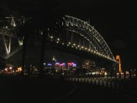 Sydney Harbour Bridge ночью