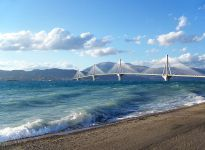 Мост Рио-Антирио (Источник http://en.wikipedia.org/wiki/File:Rio-Antirio_bridge.jpg)