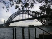 Sydney Harbour Bridge (фото http://ko.wikipedia.org/wiki/??:Sydney_harbour_bridge_3.jpg)